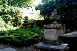 Lambeth churchyard